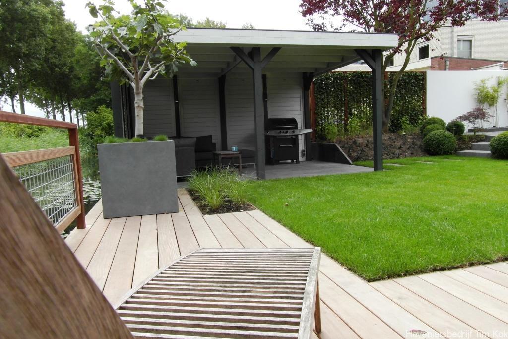 Heerlijk buitenleven tuin te 39 s gravendeel hoveniersbedrijf tim kok - Bamboe in bakken terras ...
